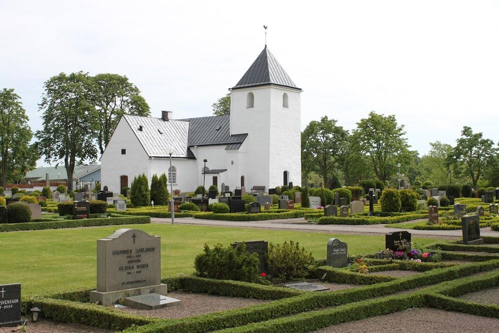 Norra Vrams Kyrkogård