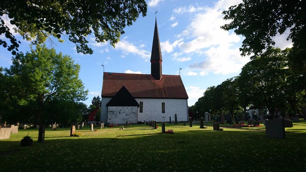 Breviks kyrkogård