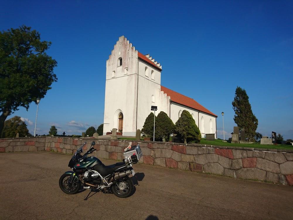 Ekeby kyrkogård