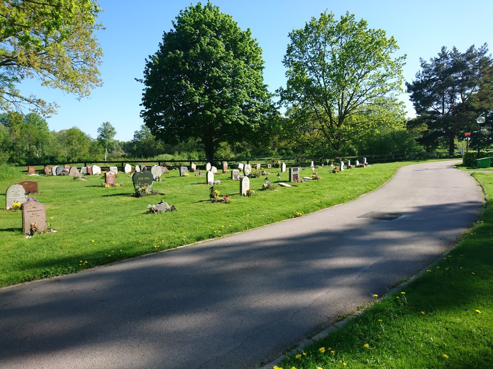 Ålems kyrkogård