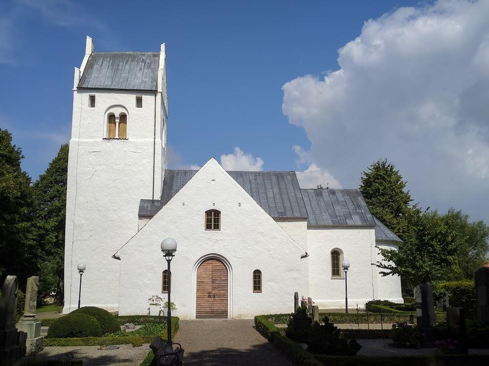 Flädie kyrkogård