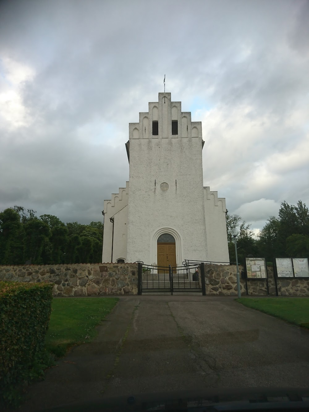 Frillestads Kyrkogård