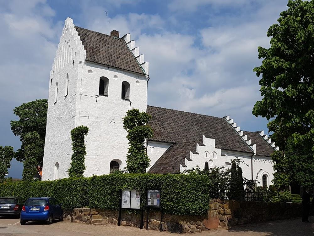 Glumslövs kyrka
