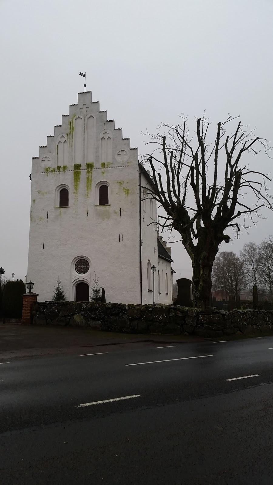 Östra Broby Kyrkogård