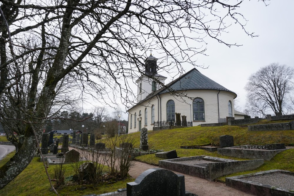 Tärby kyrkogård